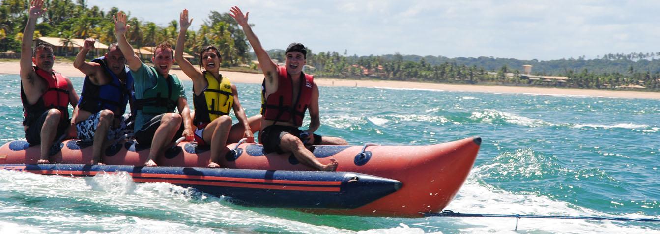 Passeio de Lancha com Banana Boat e Mergulho